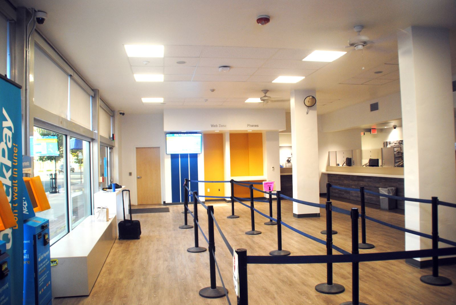 Customer Service Lobby