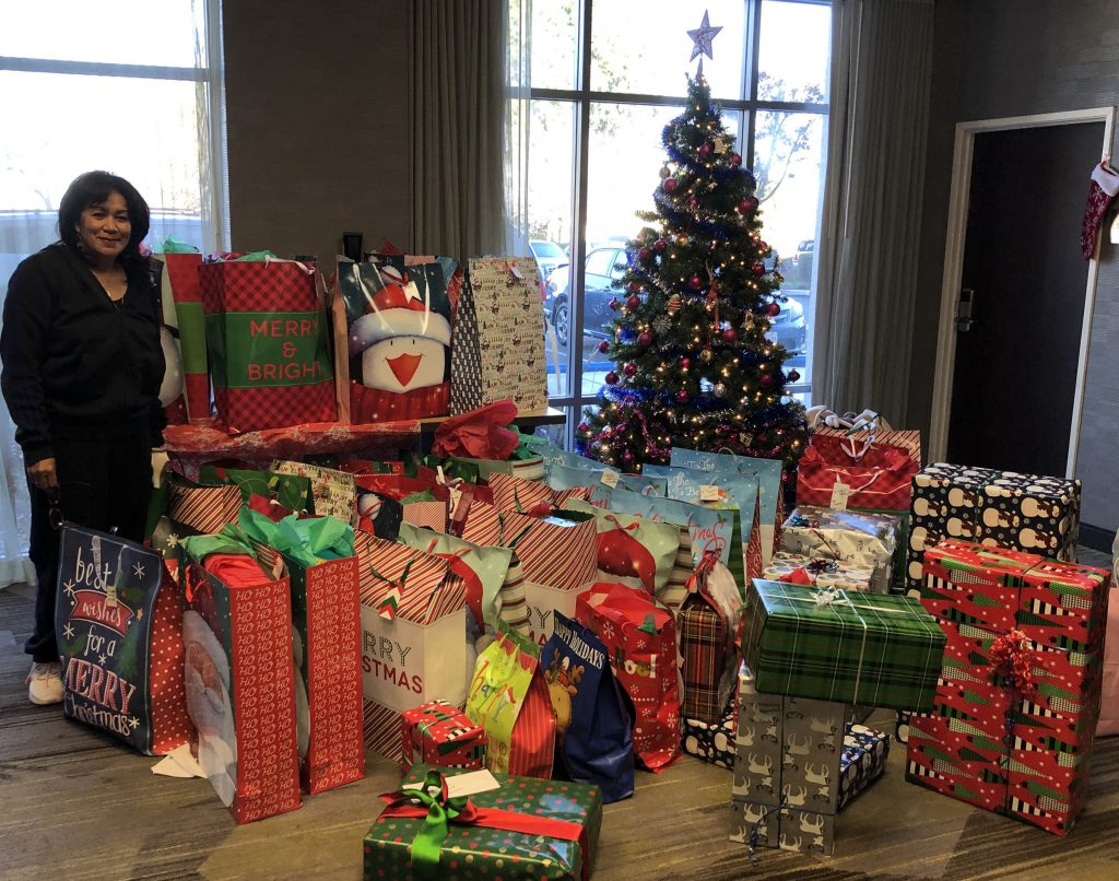 Interactive Resources Holiday Adopted Families Gift-Giving
